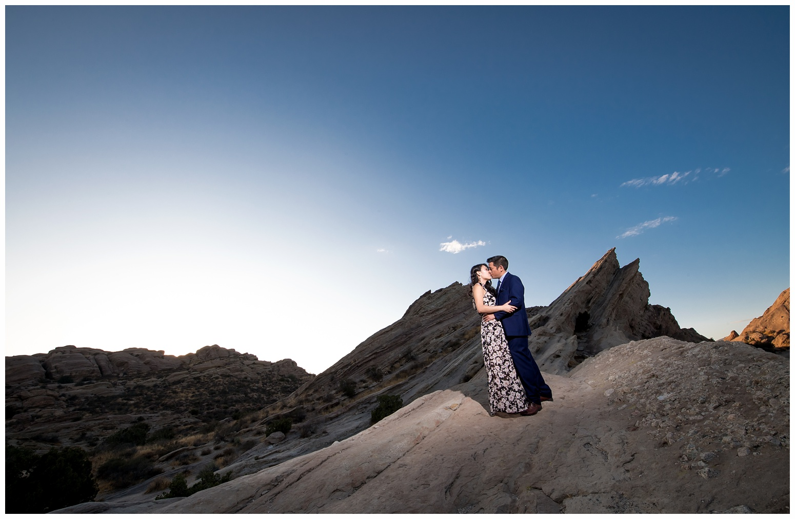 Vasquez Rocks Engagement_0010.jpg