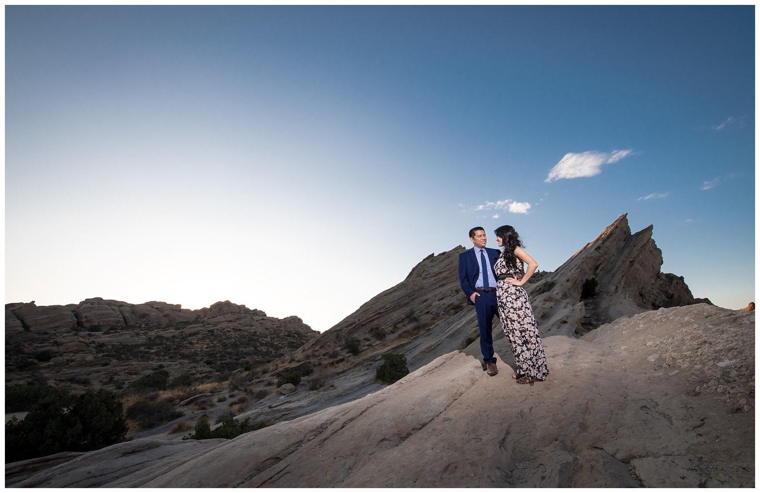 Vasquez Rocks Engagement_0011.jpg